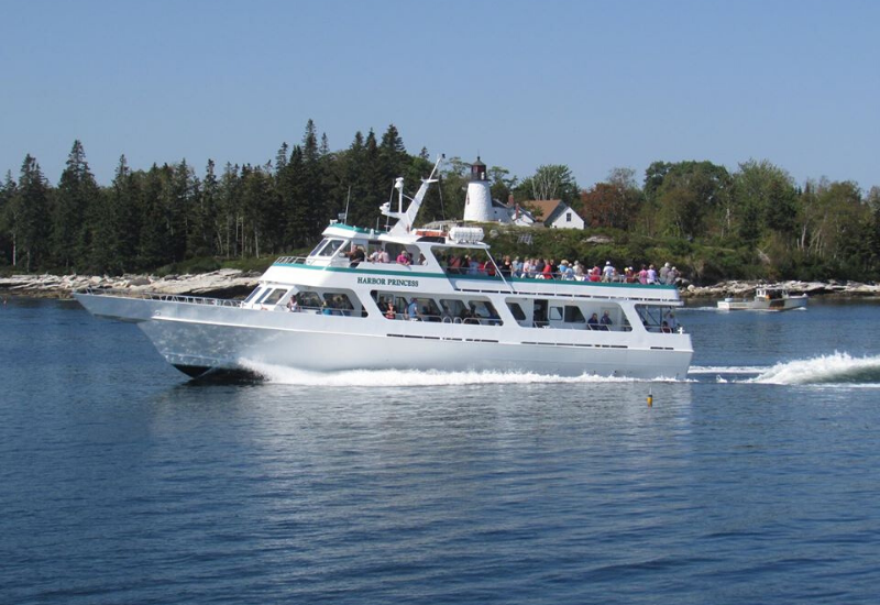 best boat tours for families with kids in Boothbay Harbor Maine